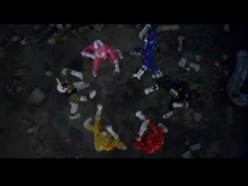 Amy Jo Johnson achtergrond possibly with a sign called Mighty Morphin Power Rangers: The Movie