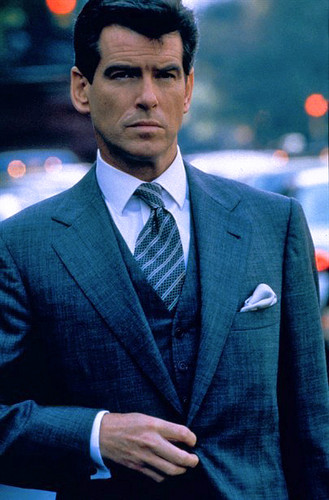PIERCE BROSNAN IN THE THOMAS CROWN AFFAIR