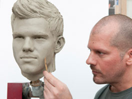 anteprima of Taylor Lautner's Wax Figure