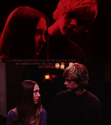 American Horror Story wallpaper probably containing a concert and a portrait called Tate and Violet ♥