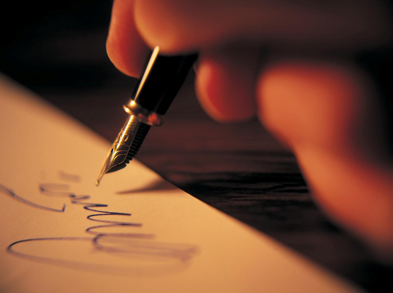Persuasive essay helper yahoo answers