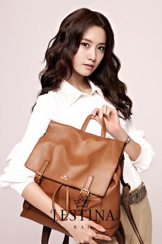 Im yoonA fond d'écran titled Yoona@ J.ESTINA
