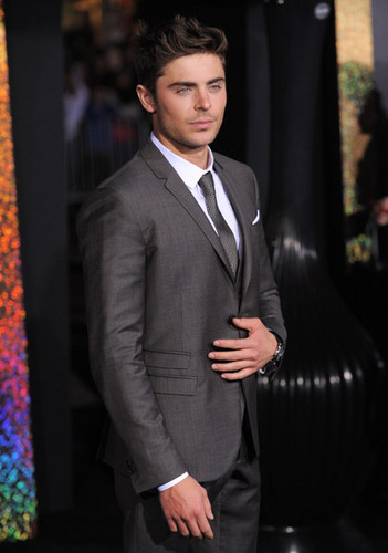 Zac Efron - New Years Eve Primiere