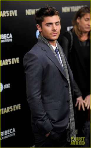 Zac Efron - New Years Eve New York PREMIERE
