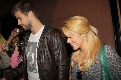 Shakira and piqué car big picture
