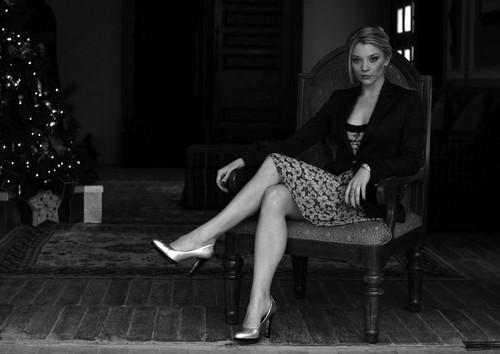 Натали Дормер Обои with a park bench called Dubai Film Festival - Portrait Session