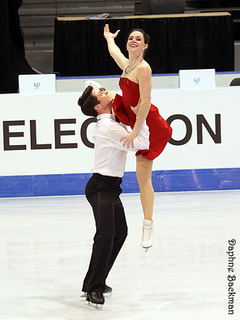 Tessa Virtue & Scott Moir wallpaper called 2011 Grand Prix Final - Saturday Practice
