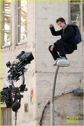 Andrew Garfield: The Amazing Flying Spider-Man!