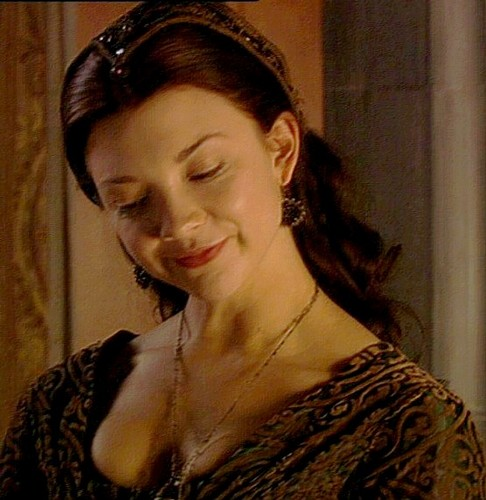 Anne Boleyn 壁紙 possibly with a portrait entitled Anne Boleyn