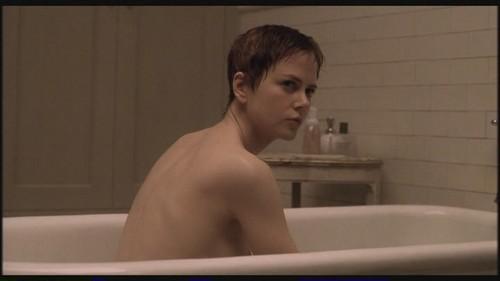 Nicole Kidman kertas dinding with a hot tub and a bathtub called Birth