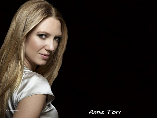 Fringe wallpaper with a portrait entitled Fringe_Anna Torv