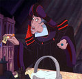 Frollo singing InHere