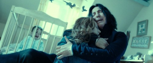 http://images5.fanpop.com/image/photos/27500000/Harry-Potter-7-Deathly-Hallows-Part-2-severus-snape-and-lily-evans-27568477-500-208.jpg