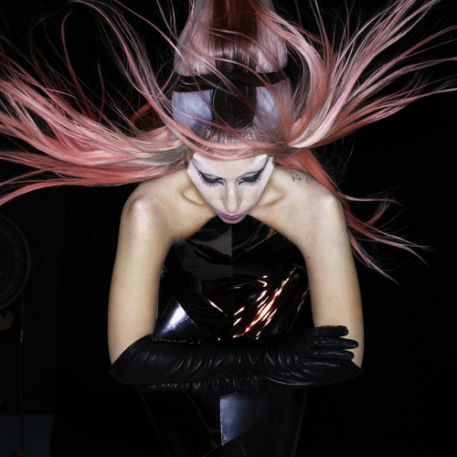New outtake from the Born This Way photoshoot 由 Nick Knight
