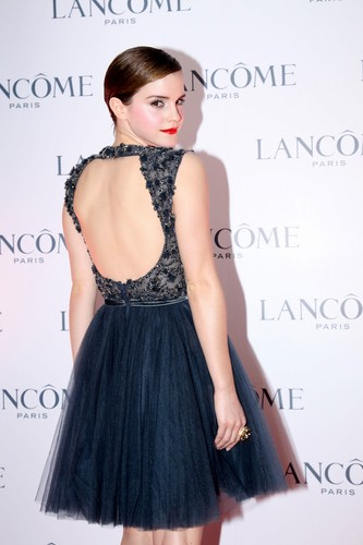 Promoting Lancôme in Hong Kong - December 7, 2011 (HQ)