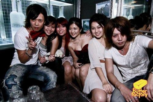 Reno and Shin at the club