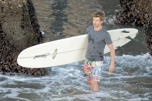 Ryan Kwanten Gets Wet In Surf Inspired фото Shoot