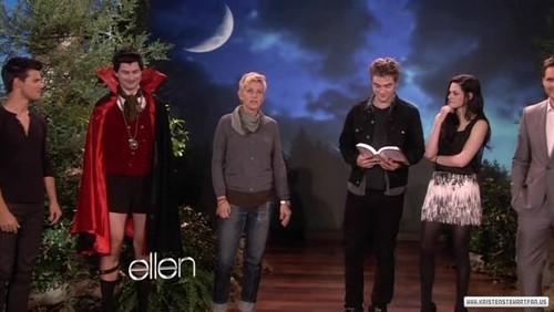 ক্রিস্টেন স্টুয়ার্ট দেওয়ালপত্র containing a business suit entitled Screen Captures: 'Ellen DeGeneres Show' - November 18, 2011.