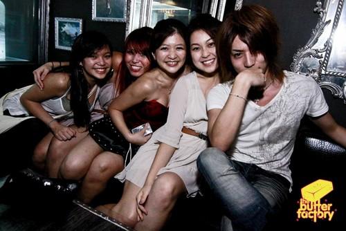 Shin at the club (26 nov)