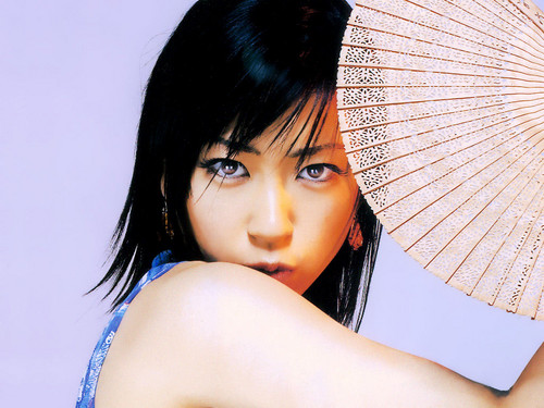 Utada Hikaru 壁纸 possibly containing a parasol called Utada Hikaru