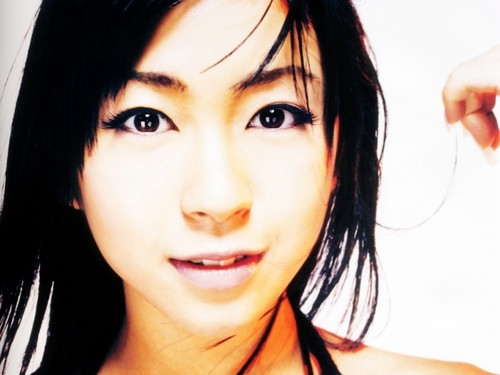 Utada Hikaru দেওয়ালপত্র containing a portrait titled Utada Hikaru