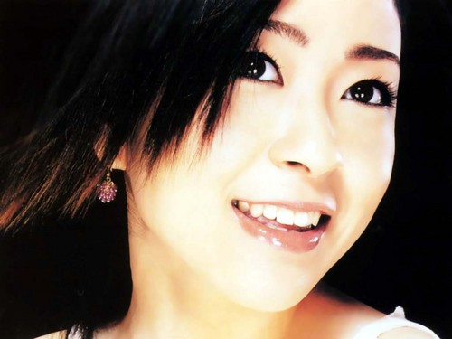 Utada Hikaru দেওয়ালপত্র containing a portrait entitled Utada Hikaru