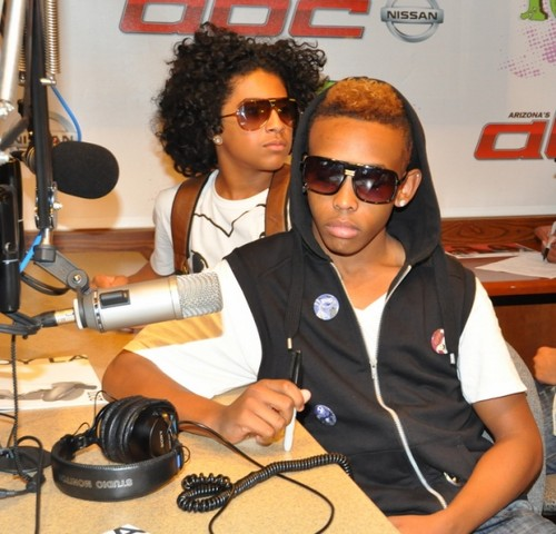 u look bored prod