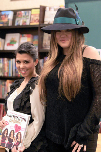 "Khloe Kardashian wallpaper with a bookshop called ""Kardashian Konfidential"" Book Signing"