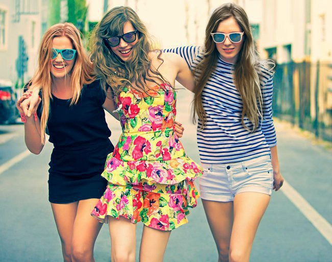 Фото трех подруг на аву