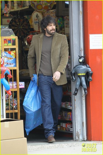 Ben Affleck: Toy Shopping on Sunday