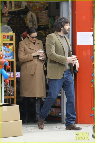 Ben Affleck: Toy Shopping on Sunday