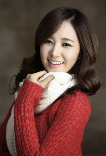 "Girls' Generation Yuri SM Town Winter Album"" The Warmest Gift"""