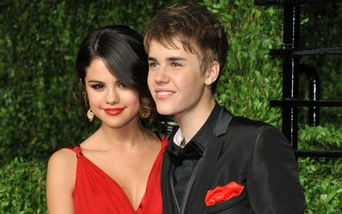 Justin Bieber and Selena Gomez wallpaper called Jelena