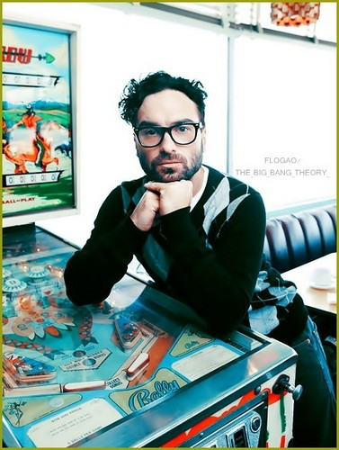 Johnny Galecki wallpaper probably containing a newspaper, a sign, and a turntable titled Johnny Galecki - Leonard Hofstadter