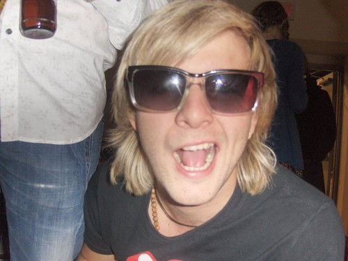 Keith Harkin hình nền containing sunglasses called Keith