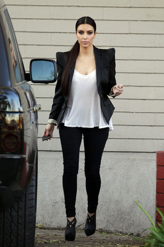Kim Kardashian in LA - kim-kardashian Photo