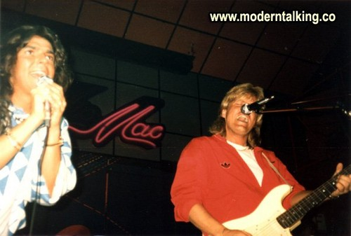 Modern Talking Hintergrund containing a konzert and a guitarist titled MODERN TALKING