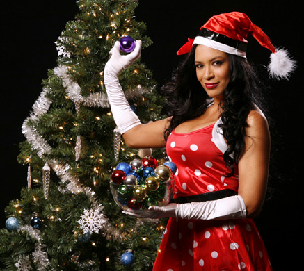 Melina In natal Outfit