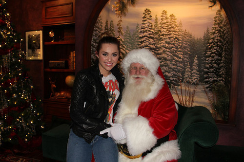 Miley Cyrus ~09/12 Sharing The Spirit Holiday Party