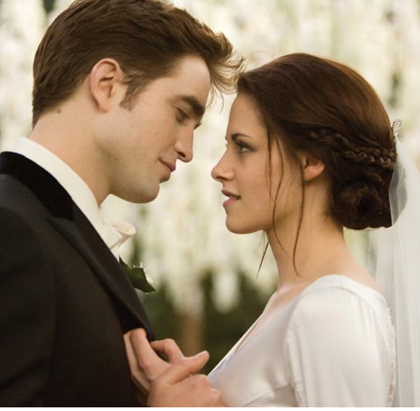 "Edward dan Bella kertas dinding with a business suit called New pics/scans from the ""Breaking Dawn - Part 1"" illustrated movie companion"