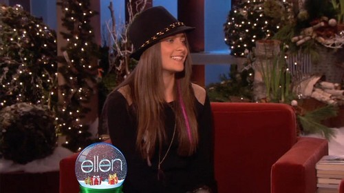 Paris Jackson's Interview With Ellen on Ellen প্রদর্শনী December 13th 2011 (HQ Without Tag)