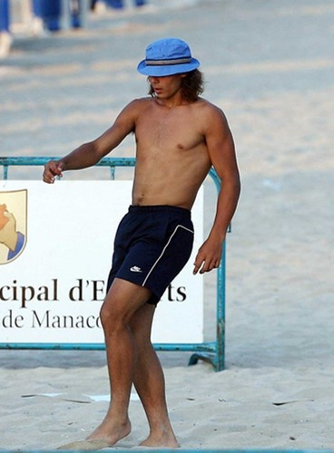 Rafa rehearsing for marriage: he do not looking for different girls !