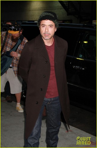 Robert Downey Jr.: Late tampil with David Letterman!