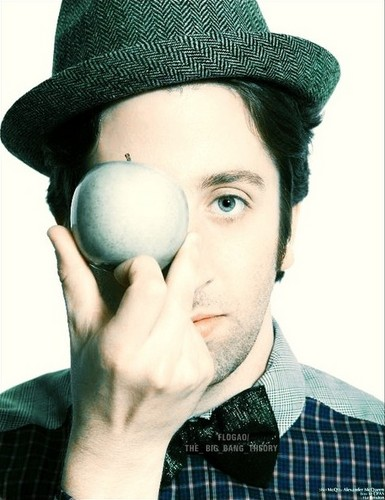 Simon Helberg - Howard Wolowitz