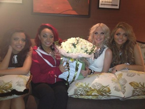 Simon sent Little Mix flowers! [Twitter pic]