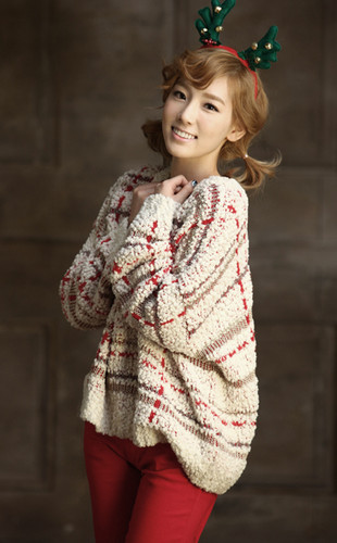 """Taeyeon@Official SMTown Winter Album """"The Warmest Gift"""""""