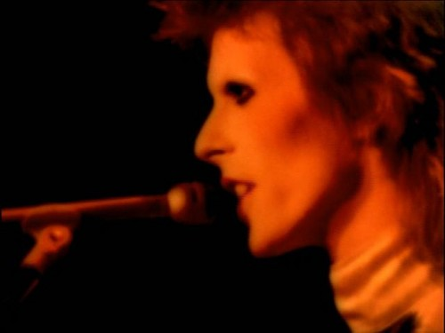 Ziggy Stardust fond d'écran containing a concert and a guitarist entitled The Motion Picture