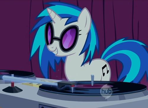 My Little pony - Freundschaft ist Magie Hintergrund called Vinyl Scratch