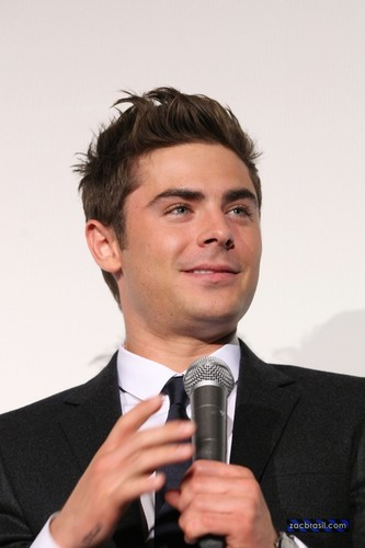Zac Efron - Primiera New Years Eve