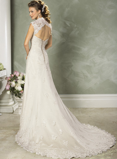 Fabulous Vintage Wedding Dress with Lace 389 x 529 · 88 kB · jpeg